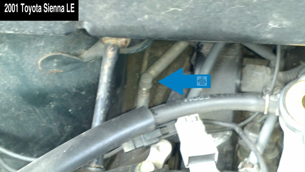 2001 Toyota Sienna LE A/C Low Pressure Service Port