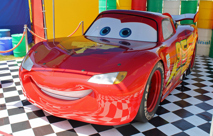 AC-Pro-Dress-Up-Car-For-Halloween-Lightning-McQueen